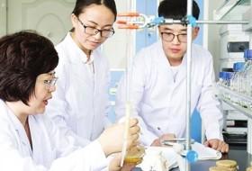 课堂上的女科学家──记天津科技大学生物工程学院教授王敏