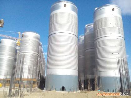 呼伦贝尔市阿荣旗齐鲁生物制药项目发酵罐设备开始就位安装