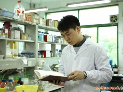 """华南农业大学生物工程系硕导 魏韬 研究""""细胞工厂"""", 让贵价原料变得既平又好"""